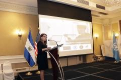 Karina Burgos de Olivares, miembro del Pleno del TEG, durante presentación de la plataforma E-learning