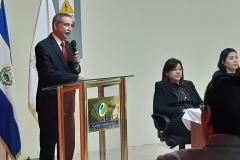 Dr. Nestor Castaneda Soto, presidente del TEG, durante discurso inaugural de acto de juramentación