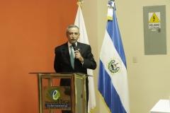 Dr. Néstor Castaneda, presidente del TEG,  durante discurso de la juramentación