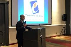 Dr. Néstor Castaneda, presidente del TEG, durante discurso inaugural.