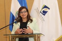 3- Licda. Rosario de Barillas, Miembro del Pleno,  rindiendo cuentas sobre gestión del área de capacitación y divulgación